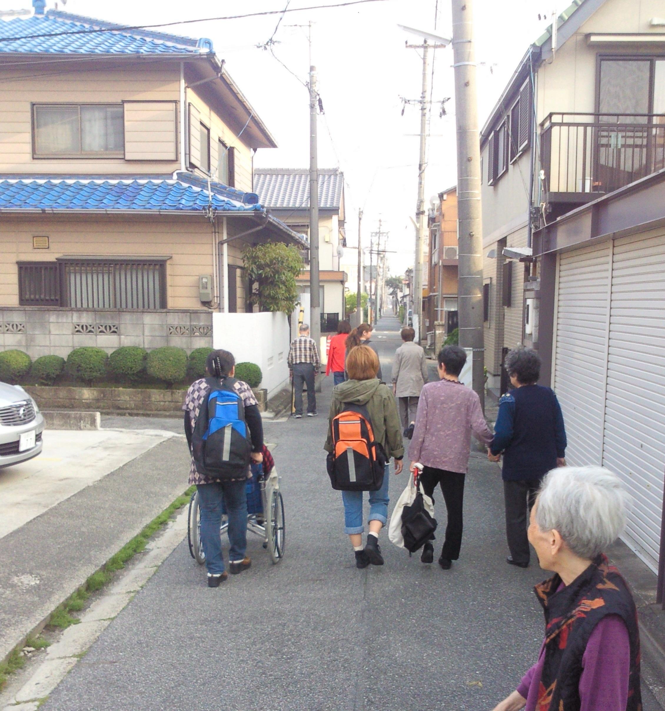 20120424 道行く人々 午後